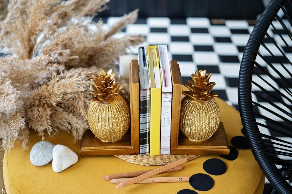 "Подпори за книги ""Golden pineapple"""
